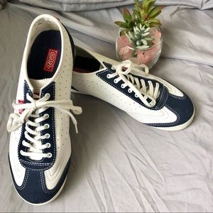 Vans Leather Lace Up Sneakers 8.5 White and Navy
